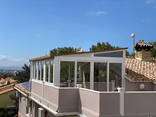 Фиксированная крыша с окнами в Дении