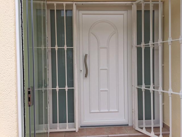 Puertas de entrada en PVC y Aluminio